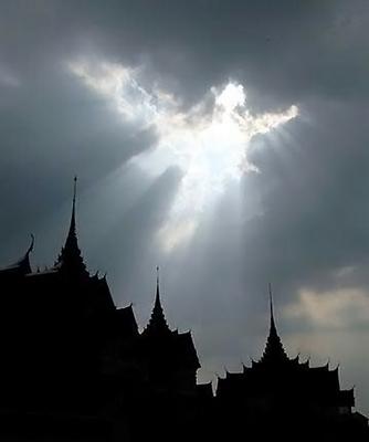 gambar awan mirip malaikat