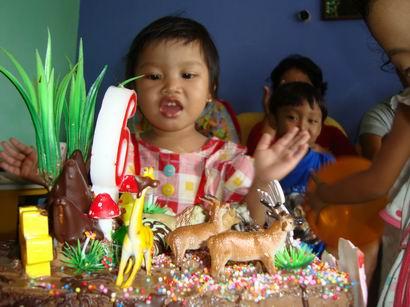 diva: selamat ulang tahun...!!!